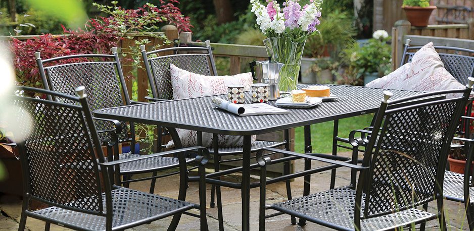 why you have to choose cast aluminum garden furniture
